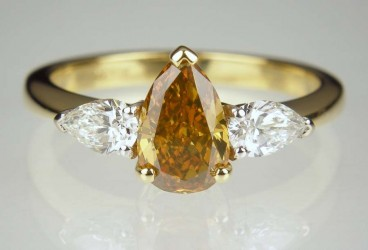 Golden pear cut diamond ring