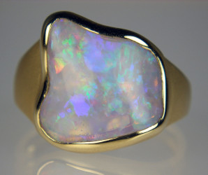 Australian crystal shell opal set in 18ct yellow gold ring