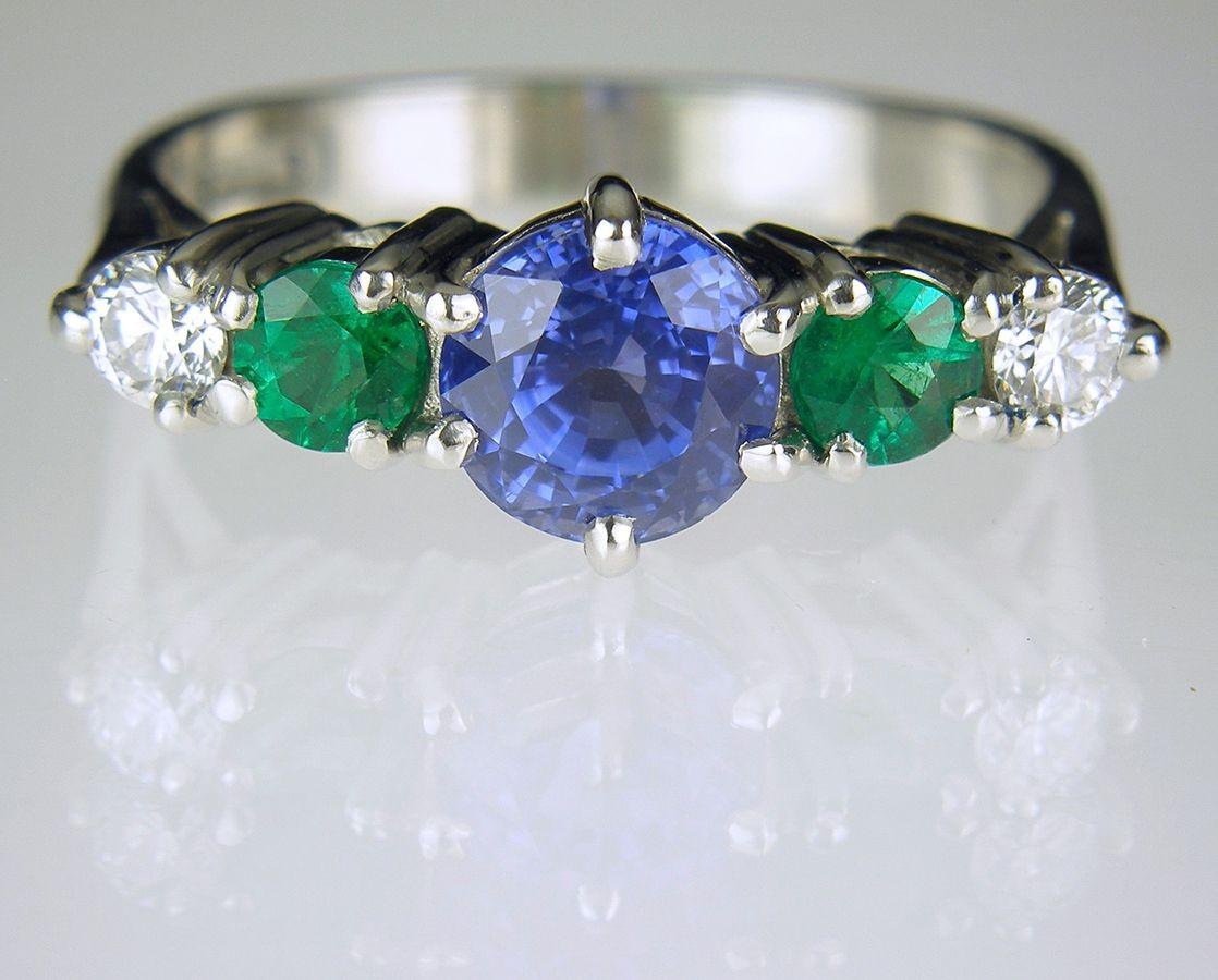 sapphire emerald diamond ring in platinum private. Black Bedroom Furniture Sets. Home Design Ideas
