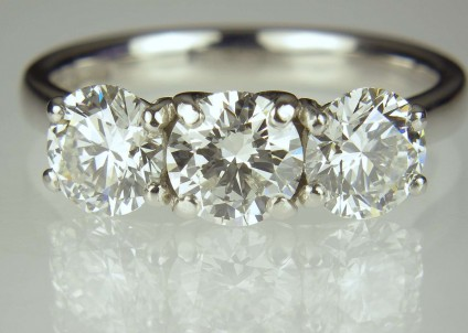 3 stone diamond ring  - 2.12ct total diamond weight, G & H colour VS clarity, GIA certified,  in platinum