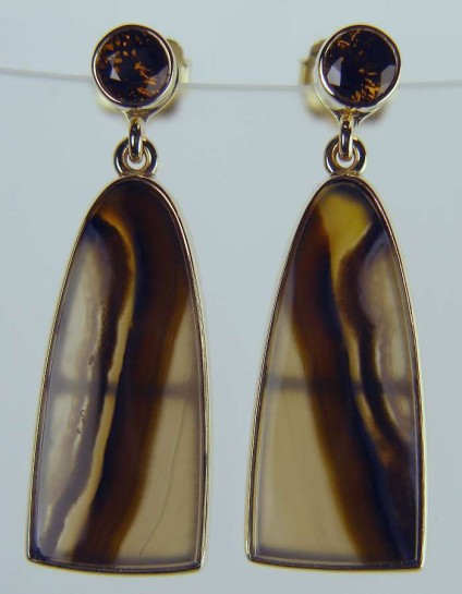 Mali garnet and banded agate earrings - Brown Mali garnet stud earrings in 9ct yellow gold with detachable drops of banded agates (the pair weighing 16.27ct)
