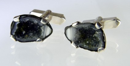 Agate geode cufflinks in silver  - Pair of miniature agate geodes from Mexico set as cufflinks in silver