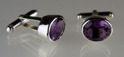 Amethyst cufflinks in silver - Faceted amethyst oval pair weighing 4.9ct in silver