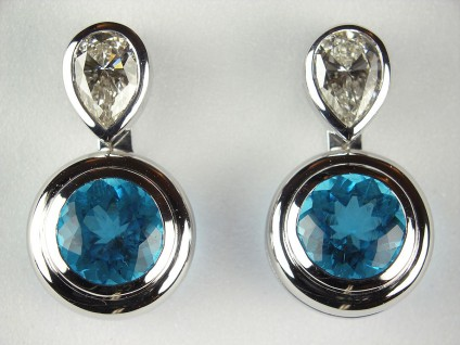 Diamond & Apatite drop earrings - Pear cut diamond stud earrings 0.86ct total with DETACHABLE drops of round cut apatite 2.44ct total, all in 18ct white gold. Can be sold separately.