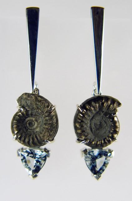 Ammonite & aquamarine earrings - Pair of ammonite and aquamarine earrings in silver
