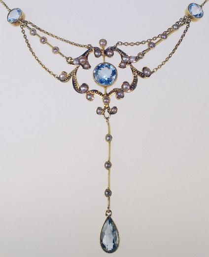 Antique necklace in aquamarine & seed pearl -
