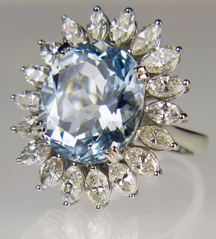 Aquamarine & diamond starburst ring in 18ct white gold - 10.71ct round cut aquamarine set in a starburst of marquise cut diamonds, mounted in 18ct white gold
