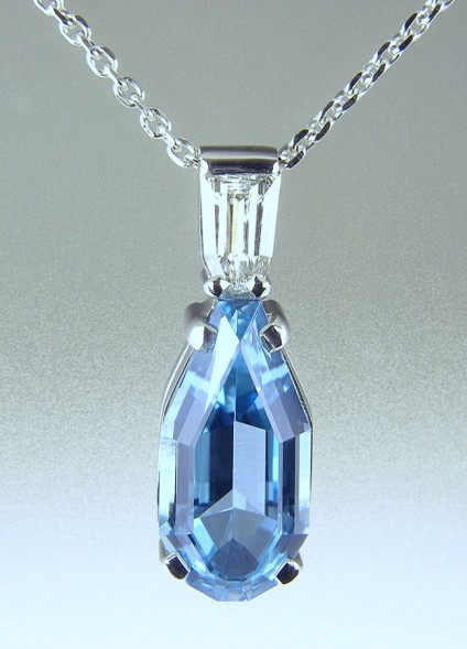 Aquamarine & Diamond Pendant in Platinum -