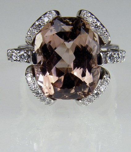 Tourmaline & Diamond Ring in 18ct white gold - Ring of pinkish brown tourmaline, 9.87ct, set with 0.54ct white diamonds in 18 carat white gold.  Centre stone 15 x 13mm.