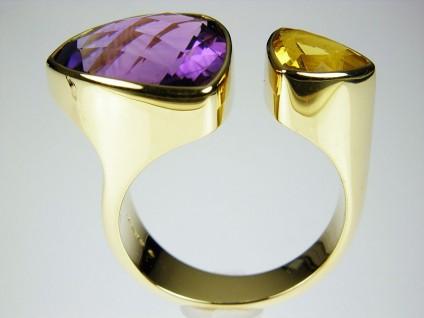 Amethyst & Golden Beryl Ring - Big Amethyst Ring. Ring of 7.66ct trillion cut amethyst set with 1.2ct golden beryl in 18 carat yellow gold. Setting 26 x 15mm.