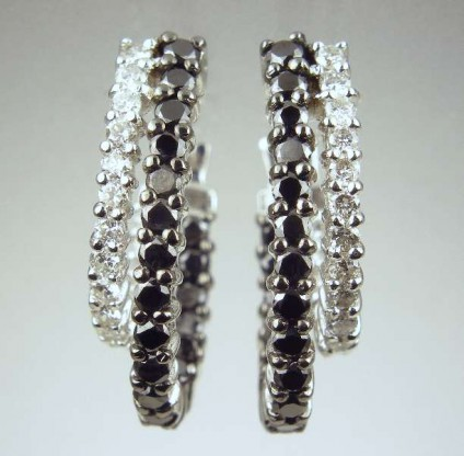 Black & white diamond earrings - 1.5ct of black and white diamonds set in 18ct white gold
