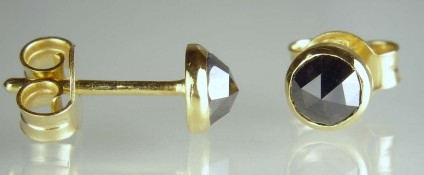 Black diamond stud earrings in yellow gold - 0.82ct pair of rose cut black diamonds set in 18ct yellow gold mounts