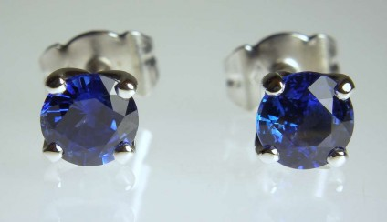 Sapphire stud earrings - Fine blue 5.5mm round sapphires set as stud earrings in 18ct white gold