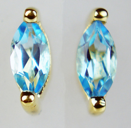 Blue topaz marquise cut earstuds in 9ct yellow gold - 0.32ct pair of marquise cut blue topaz set in 9ct yellow gold