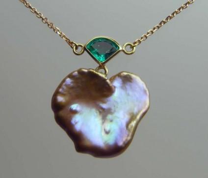 Emerald & pearl pendant -