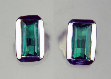 Colombian emerald rectangular earstuds in 18ct white gold - Rubover set pair of top quality emerald cut Colombian emeralds in simple 18ct white gold earstuds