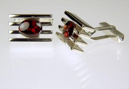 Garnet cufflinks in silver - Garnet cufflinks in silver. 18 x 12mm.