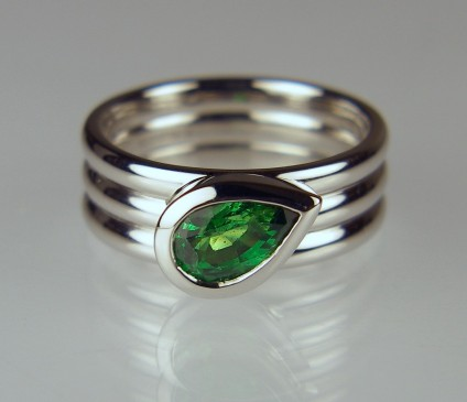 Tsavorite garnet ring in palladium - 1.07ct pear cut tsavorite garnet in palladium