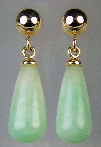 Jade eardrops in 9ct yellow gold - Dainty jade polished drops set from 9ct yellow gold ball studs. Eardrops are 19x5.5mm.