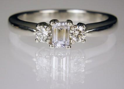 Diamond Ring in Platinum - Diamond ring in platinum. 0.5ct diamonds F/VS1. Head 9 x 4.5mm. Estate piece.