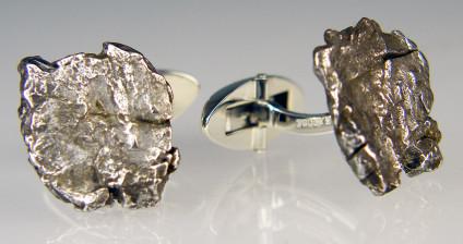 Meteorite cufflinks in silver - Pair of metallic meteorite cufflinks set in silver