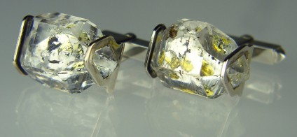 Oil included Quartz Cufflinks in Silver - Cufflinks of quartz crystals with hydrocarbon inclusions mounted in silver