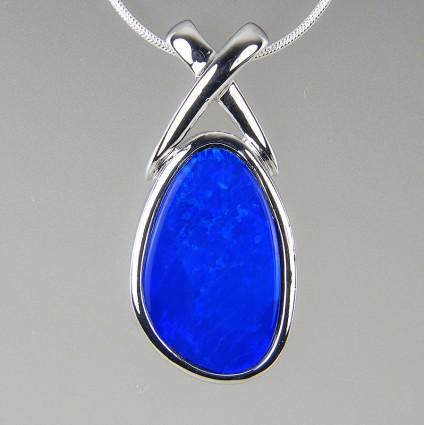 Boulder opal pendant in silver  - Opal pendant in silver. 27x 13mm.