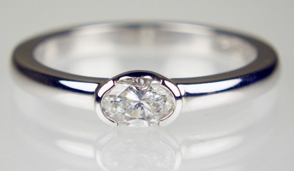 30pt oval diamond ring in 18ct white gold - 0.30ct G colour SI clarity oval diamond set in simple elegant 18ct white gold ring