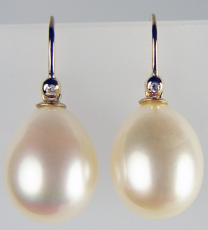 Pearl & diamond drop earrings in yellow gold - 12-13mm long drop cultured pearl and diamond earrings in 14ct yellow gold