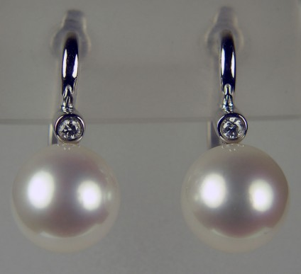 Pearl & diamond drop earrings in 9ct white gold - beautiful round white freshwater cultured pearl set with a matched pair of 3pt round diamonds in 9ct white gold