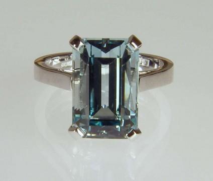 Aquamarine ring - 5.14ct unheated aquamarine emerald cut set in 18ct white gold