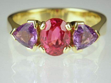 Purple sapphire & red spinel ring - 1.4ct red spinel oval from Tanzania, set with 1.15ct purple sapphire trillions in 18ct yellow gold