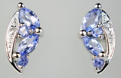 Tanzanite & diamond earstuds in 9ct white gold - Pretty tanzanite marquise and round cut cluster earstuds with diamonds in 9ct white gold. Earstuds are 13mm long & 6.5mm wide.