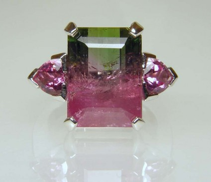 Watermelon tourmaline & pink spinel ring - 8.34ct watermelon tourmaline set with a 0.92ct matched pair of pink spinel trillions in 18ct white gold