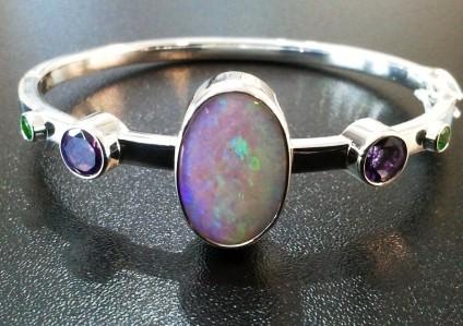 Opal, green garnet & amethyst bangle - Beautiful lilac and green boulder opal set with amethysts & green garnets in silver